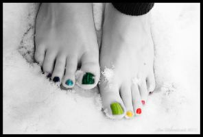 Rainbow Toes by kproductions