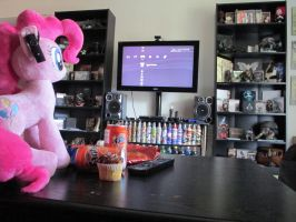 Pinkie Found my Video Games by Template93