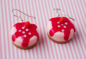 Cheescake earrings by Kyandi-charms