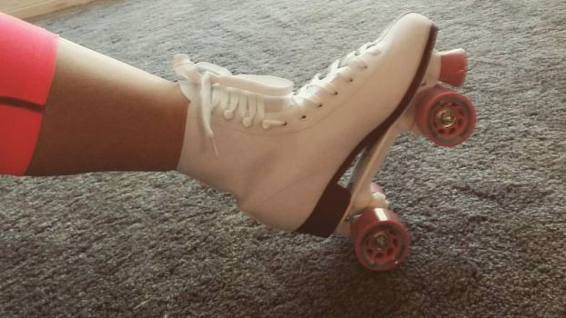skates by discoloredkitty