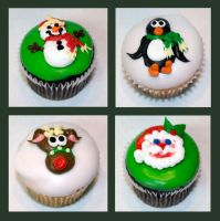Christmas Cupcakes by theshaggyturtle