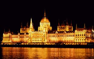 Parliament at night by TheRafflesia