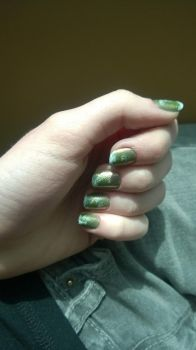 Green Frosted Nails by YunikuSenshi