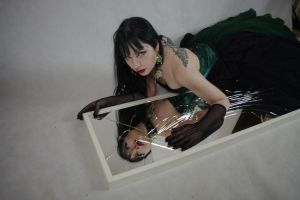 STOCK - Gothic vampire in green - broken mirror by Apsara-Stock