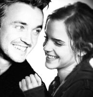 Dramione Smiles by Everything-Dramione