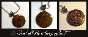Seal of Rassilon - polymer clay pendant by EruwaedhielElleth