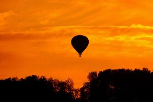burning balloon by Dieffi