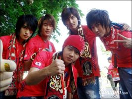 DBSK in red by XxpiyokoxX