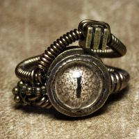 Beholder Steampunk ring Wheat by CatherinetteRings