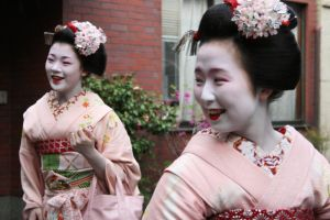 Japan: Maiko III by mogwai-puant