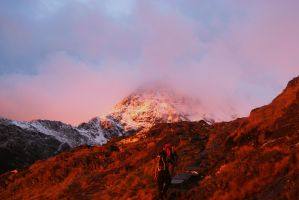 Snowdon Sunrise by maddy92