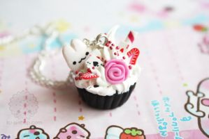 Wonderland Cupcake Necklace by kukishop