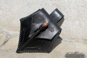 Poison leather purse - black by AtelierFantastique