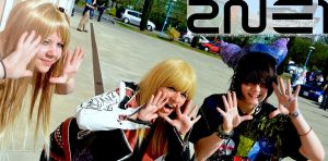 2NE1 cosplay :Domochi Family: by ocecen