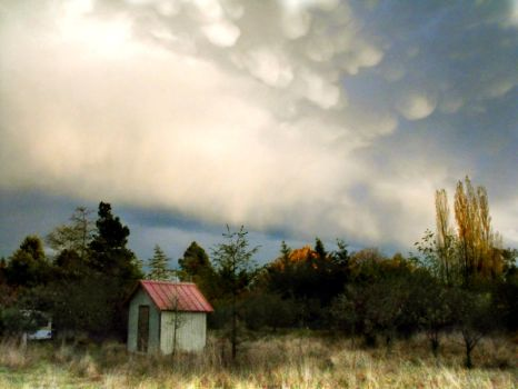 big sky, little house1 by TalusPhotography