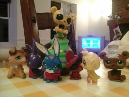 LPS Have a merry freddy christmas by OggyxOlivialover