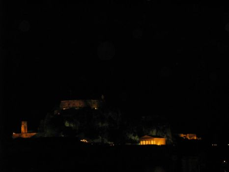 Corfu's Old Castle, by night by tpanayiotis