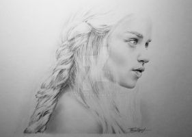 Daenerys by Thessen