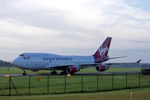 Virgin Atlantic Jumbo by robertbeardwell