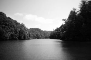 Red River Gorge lake by Kriegstoise