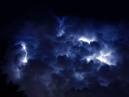 Lightning cloud by jpdavey