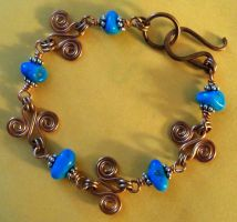 Turquoise and copper bracelet by artefaccio