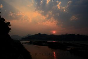 Mekong Sunset by maisondezion