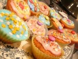 Cupcakes - Circus - by Lysis-chan