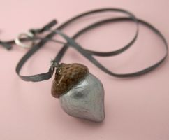 silver acorn necklace by amberhlynn