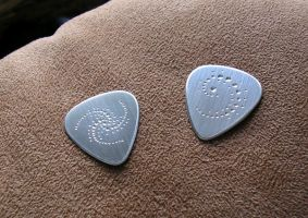 crop circle guitar picks by merovech-navarre