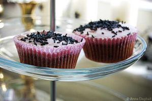Rasberry liquorice cupcakes by Happysmitten