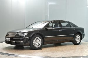 VW Phaeton Long-Version V6 by RYDEEN-05-2