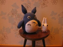 Blue and White Totoro by Yuki87