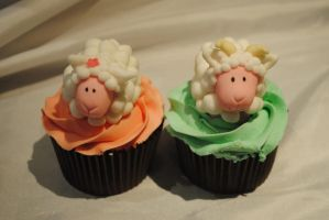sheep cupcakes by starry-design-studio