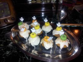 Halloween cupcakes by Efreet-in-the-Oven