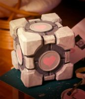 Companion Cube by Dygee
