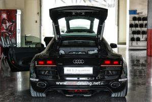 Audi R8 V10 5.2 FSI Quattro (HDR) by skywalkerdesign