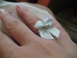 Silver bow ring by Rainbowkitty-Designs