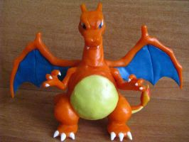 Charizard Sculpture by KarolinaMys