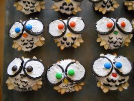 Owl Cupcakes by monkeyluv333