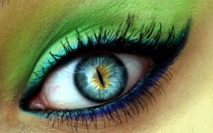 Cat Eye Made Up by catieisavampire159