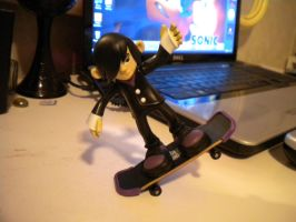 Emo Crys figure: Picture 1: Pose! by ShadowsEspeon