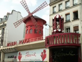 the Moulin Rouge by fayfairy