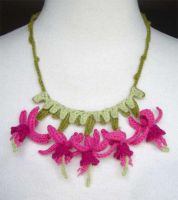 crochet fuschia necklace by meekssandygirl