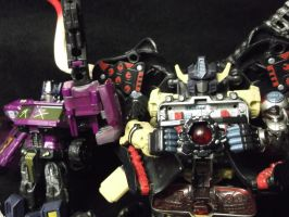 The Dead Matrix will consume ALL of Cybertron by forever-at-peace