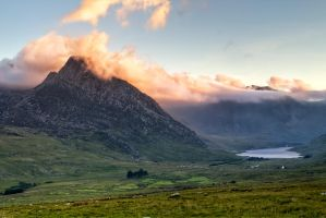 Tryfan on fire by CharmingPhotography