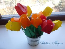 Origami tulip pot by Ilyere