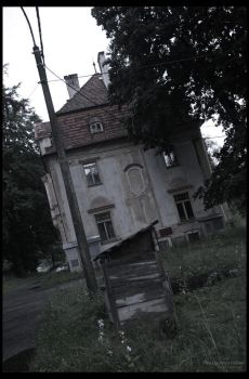 Haunted House 8 by Bveenhof