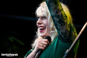 Amanda Jenssen live @ The Waterfalls Days by Robbanmurray
