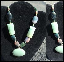 chunky green pendant necklace. by sheshechan